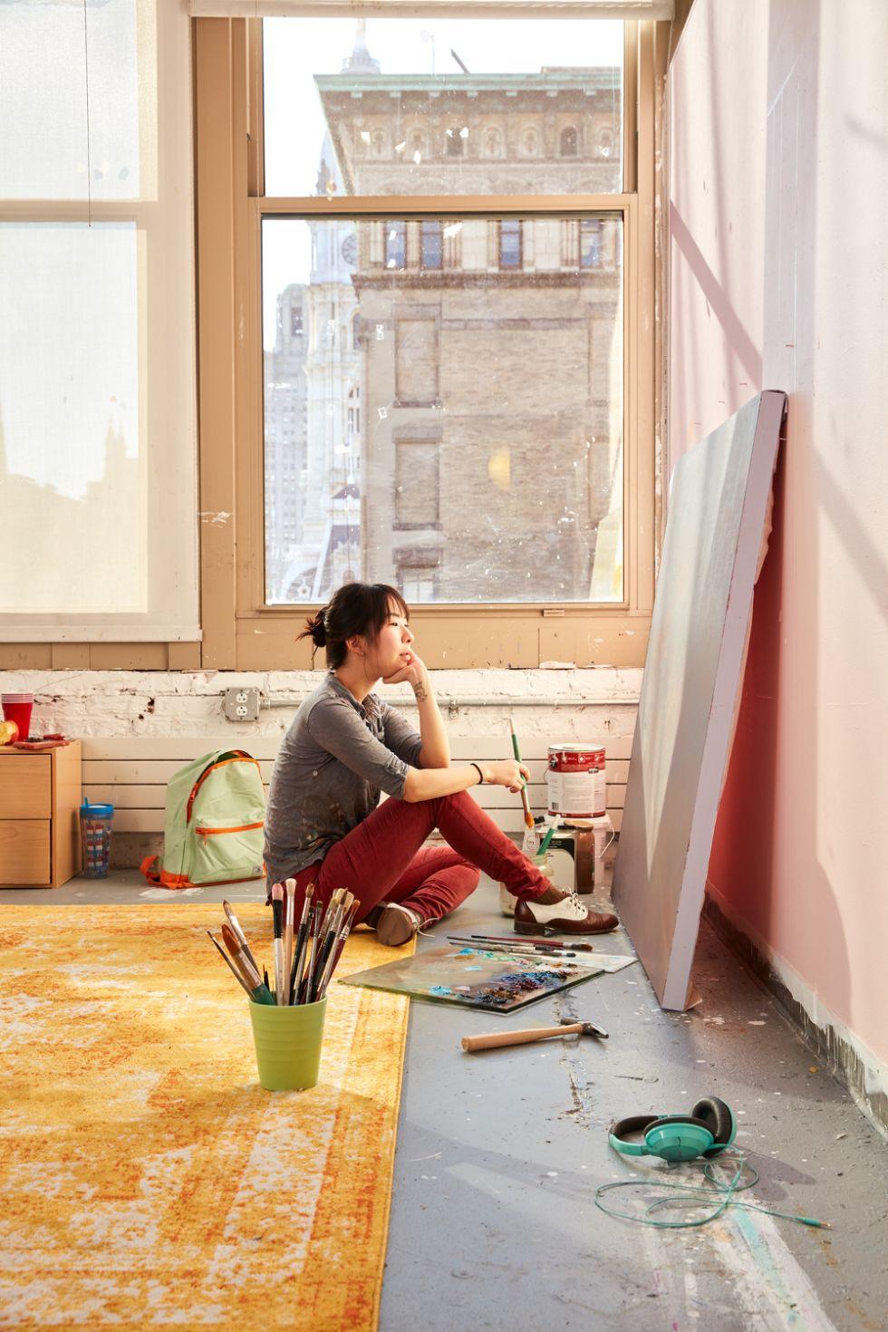 Nicole Parker (BFA '17) in the studio.