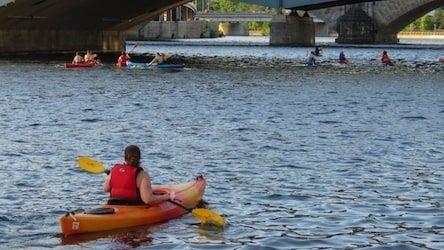 Kayak tour on the Schuylkill River. (Image: Schuylkill Banks Kayak Tours)