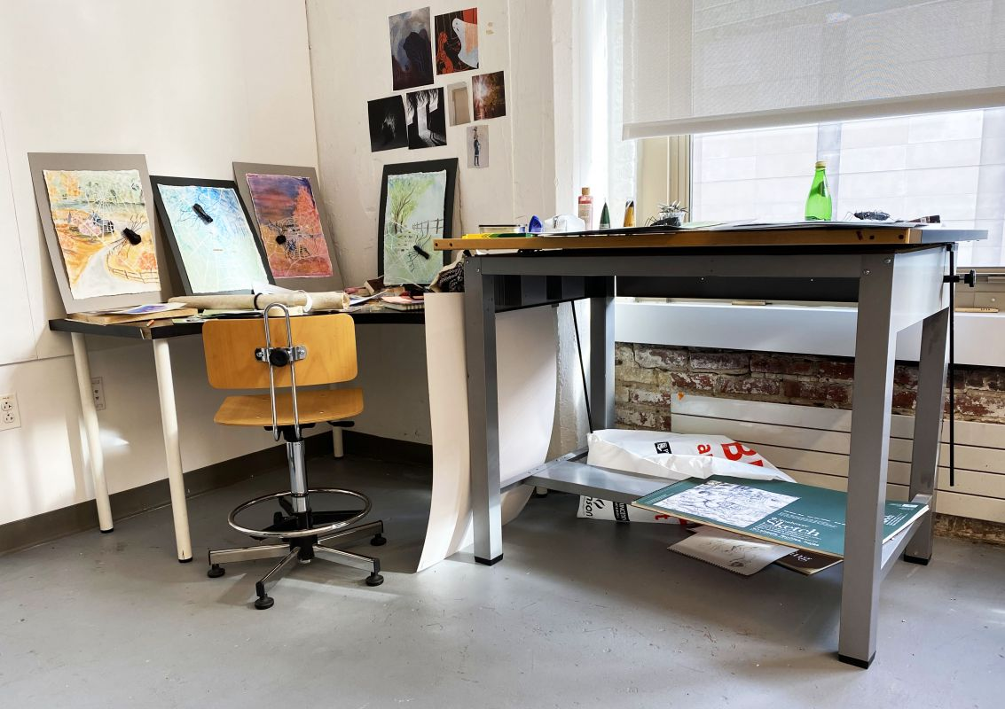 Gang Illustration desk 2