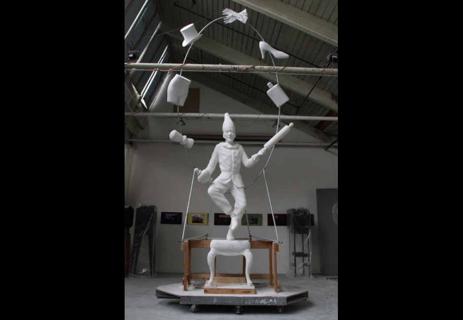 Robert Taplin, <em>The Young Punch Juggling</em>, 2014, fiberglass and steel, studio view, work in progress