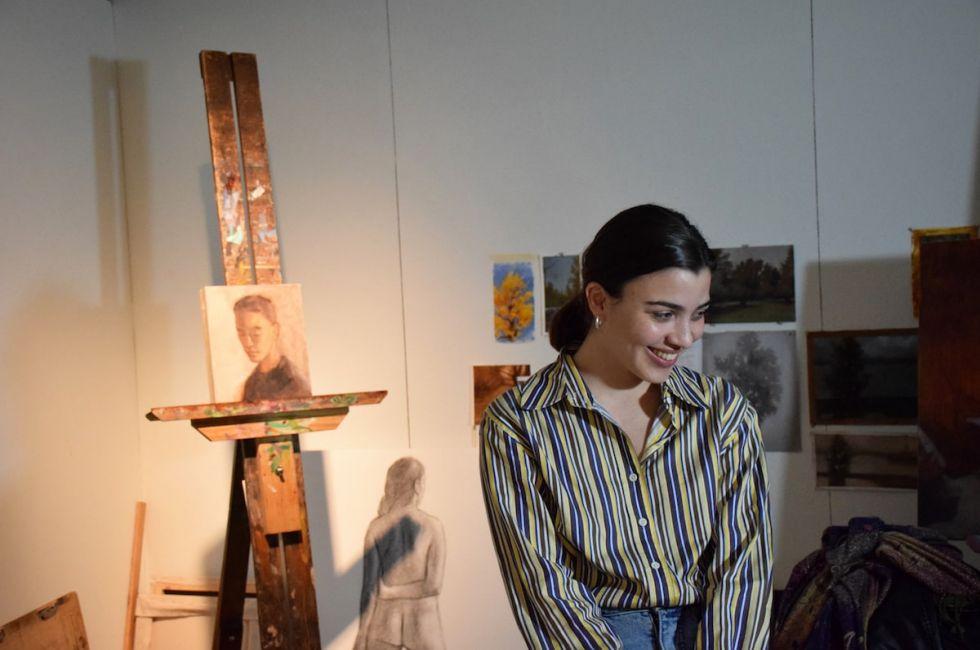 Painting student Laura Deliz '21.