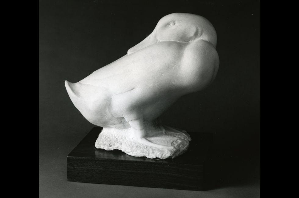 Charles Rudy,<em>Pekin Drake</em>, 1941,Pentelic marble,10 1/8 x 7 x 12 1/4 in.Joseph E. Temple Fund.