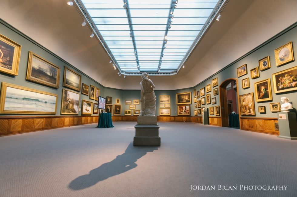 Historic Landmark Building, Salon Gallery